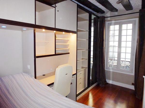 appartement meubl 75101. Black Bedroom Furniture Sets. Home Design Ideas